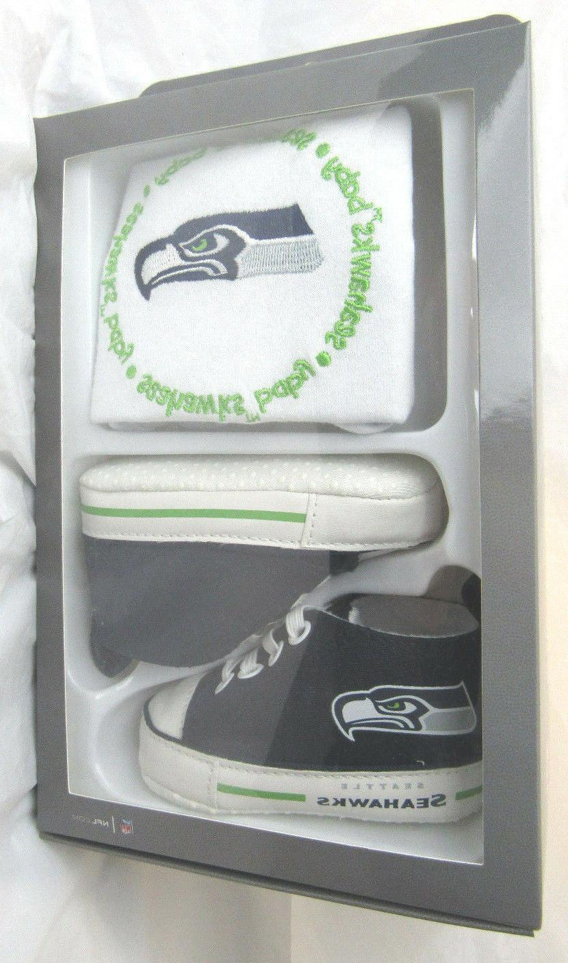 Seattle Seahawks Infant bib and shoe gift set